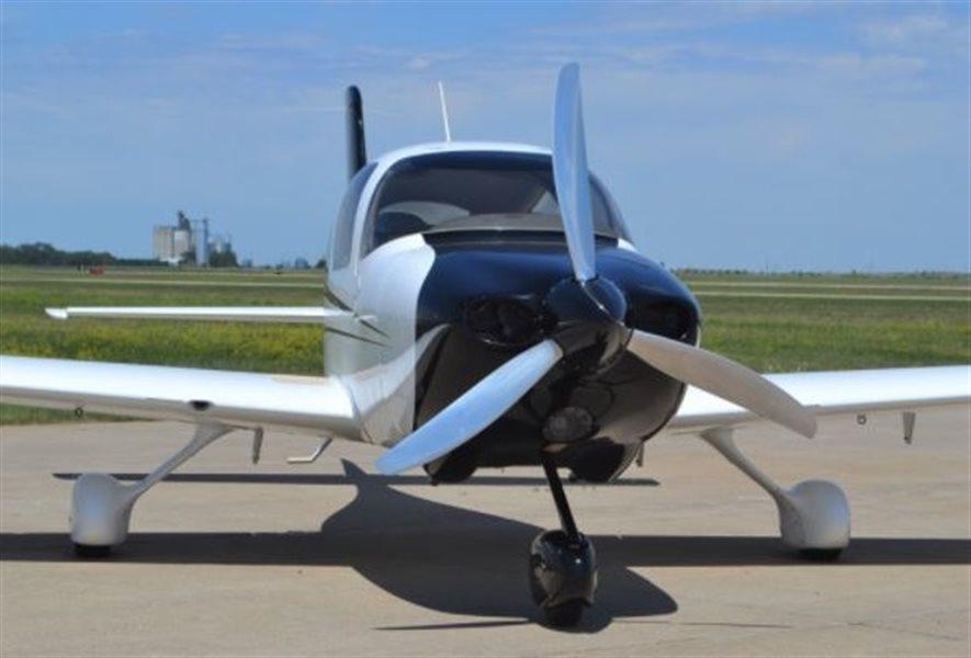 2002 Cirrus SR20 Aircraft
