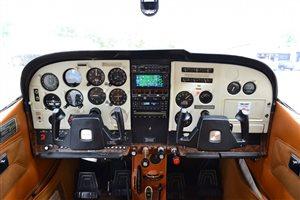 1975 Cessna 182p Aircraft