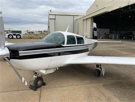 1981 Mooney M20 series K-231