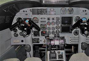 1975 Commander 690 A