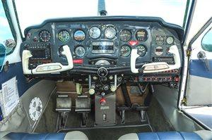 1960 Beechcraft Debonair  33