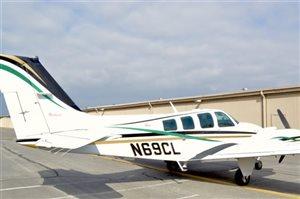 2000 Beechcraft Baron B58 Aircraft