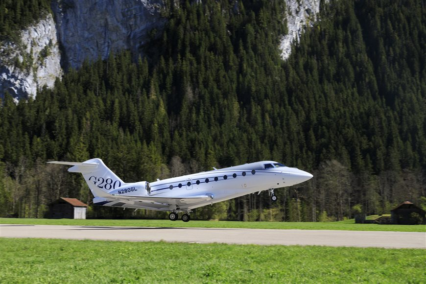 GULFSTREAM G280 OPERATES AT CHALLENGING EUROPEAN AIRPORTS - Performance Demonstration In Switzerland Follows Approval For London City