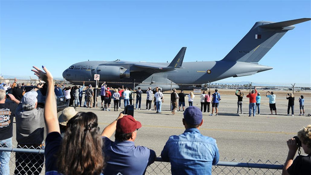 Last Boeing C-17 built in Long Beach takes flight